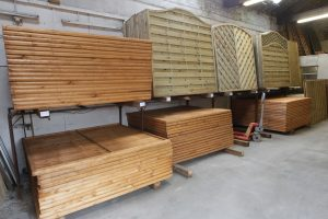 fencing supplier Hull